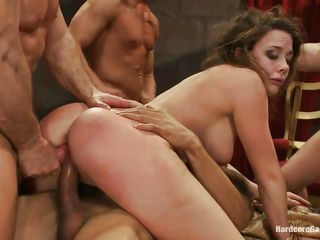 Жесткое групповое анальное порно