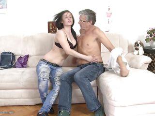 Порно старик девушка молодой секс